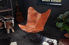 Luxusné kreslo z pravej kože. Retro Lounge, Butterfly Chair, Butterfly Design, Butterfly Decorations, Real Leather, Armchair, Relax, Brown, Black