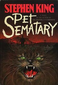 Pet Sematary by Stephen King. The scariest stinkin' book I've ever read (and no, I didn't read It by Stephen King because I'm still too scared from Pet Sematary! Pet Sematary, I Love Books, Good Books, My Books, Anne Rice, Scary Novels, Marion Zimmer Bradley, Space Opera, Stephen King Novels