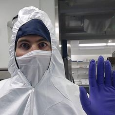 Oh, so you want a selfie eh? Here I am down in the ancient DNA lab doing #science - http://matthewjobin.com/oh-so-you-want-a-selfie-eh-here-i-am-down-in-the-ancient-dna-lab-doing-science/