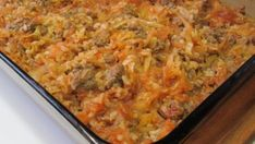 This casserole combines chopped cabbage with ground beef, tomato sauce, and rice. Preparation is much simpler than for standard stuffed cabbage rolls. Easily convert to a Vegan Casserole! Hamburger Recipes, Beef Recipes, Cooking Recipes, Batch Cooking, Candy Recipes, Yummy Recipes, Vegetarian Recipes, Cabbage Roll Casserole