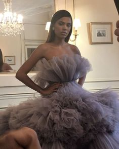 Engagement photos look Evening Dresses, Prom Dresses, Formal Dresses, Wedding Dresses, Couture Fashion, Fashion Show, Fashion Jobs, Mode Lookbook, Glamour