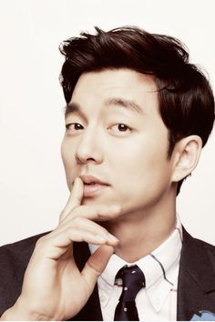 Gong Yoo is a Korean actor who I've absolutely fallen in love with after watching his show Coffee Prince. He looks good with any hairstyle or facial expression. Fated To Love You, Kim Bum, Joo Won, So Ji Sub, Gong Yoo, Korean Celebrities, Korean Actors, Korean Dramas, Celebs