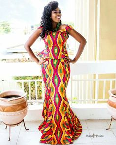 This post can show you the most recent kente designs 2019 has future for you. we have collected the best 77 styles of Latest Kente Designs For Ghanaian Wedding 2019 from African styles attires. African Attire, African Fashion Dresses, African Wear, African Dress, African Women, Ankara Fashion, African Lace, African Beauty, African Fabric