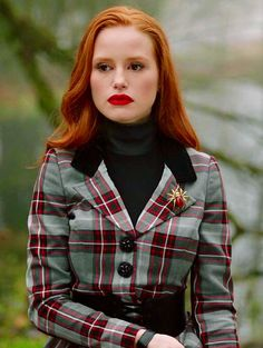 Image uploaded by Antigone. Find images and videos about red, riverdale and blossom on We Heart It - the app to get lost in what you love. Cheryl Blossom Riverdale, Riverdale Cheryl, Riverdale Cast, Madelaine Petsch, Cheryl Blossom Aesthetic, Camila Mendes Riverdale, Looks Teen, Karel Gott, Riverdale Fashion