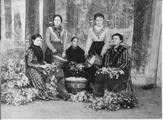 Filanda di Cuggiono - operaie al lavoro - Foto archivio Gianfranco Scotti , Museo Cuggiono
