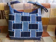 Best 12 Bags & Handbag Trends: # jeans reform # bags # jean # putting – Home Page – Page 628955904188082077 – SkillOfKing.Com – SkillOfKing. Denim Tote Bags, Denim Purse, Patchwork Bags, Quilted Bag, Denim Bag Tutorial, Jeans Recycling, Denim Scraps, Jean Purses, Recycled Denim