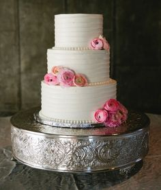 White edged cake with pink flowers at summer blush Nashville wedding with rustic details, photographed by Graham Yelton | The Pink Bride www.thepinkbride.com