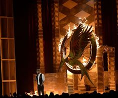 PICS: Liam Hemsworth presents the Catching Fire trailer