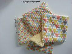 Kit de couture pour faire 4 lingettes en tissu enfant motifs géométriques style scandinave et éponge jaune clair 400 : Kits, tutoriels Couture par sold-by-madeline