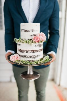 The most beautiful semi-naked cake. Made by Dream Cakes in Portland. Photography by Brittany Lauren Photography