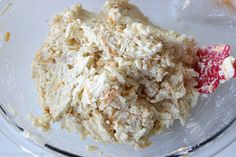 Copycat Cracker Barrel Hashbrown Casserole - o cheesy and so easy to make right at home. Great for breakfast or even a dinner side. Plus they are perfect for potlucks or anytime you are needing to feed a crowd Cracker Barrel Hashbrown Casserole, Hashbrown Casserole Recipe, Hash Brown Casserole, Easy Casserole Recipes, Diner Recipes, Restaurant Recipes, Cooking Recipes, Breakfast Dishes, Breakfast Recipes