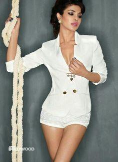 Bollywood beauty Priyanka Chopra sizzling hot Photoshoot for MAXIM Magazine December Priyanka Chopra is the hottest woman of 2013 according to Maxim India Indian Celebrities, Bollywood Celebrities, Beautiful Celebrities, Gorgeous Women, Priyanka Chopra Sexy, Actress Priyanka Chopra, Beautiful Bollywood Actress, Beautiful Indian Actress, Indian Bollywood