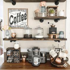 Coffee Bar Station, Coffee Station Kitchen, Coffee Bars In Kitchen, Coffee Bar Home, Home Coffee Stations, Coffee Bar Ideas, Wine And Coffee Bar, Tea Station, Kitchen Small