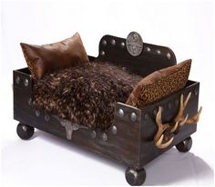 Rustic dog bed. Love the unique style. Lucky would use it for sure.