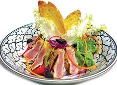 Làm salad thịt heo ngon như nhà hàng - http://congthucmonngon.com/173277/lam-salad-thit-heo-ngon-nhu-nha-hang.html