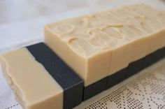 Charcoal and Safflower Petal Yogurt Soaps No Salt Recipes, Soap Recipes, Bath Salts Recipe, Savon Soap, Homemade Bath Bombs, Charcoal Soap, Luxury Soap, Organic Soap, Cold Process Soap