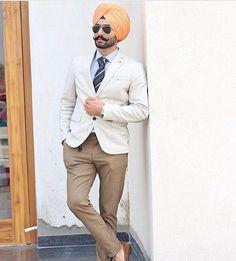 Gur... Punjabi Kurta Pajama Men, Punjabi Boys, Mens Fashion Suits, Mens Suits, Simple Pakistani Dresses, Punjabi Fashion, Turban Style, Stylish Mens Outfits, Mens Attire