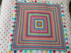 pinkfluffywarrior: Giant granny square FINISHED!!!http://pinkfluffywarrior-pinkfluffywarrior.blogspot.co.uk/2013/01/giant-granny-square-finished.html