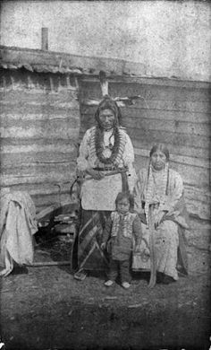 Fighting Bear and family - Mandan - circa 1880