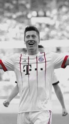Robert Lewandowski, Munich, World Cup, Athletes, Street Styles, Wwe, Chef Jackets, Barcelona, Anna