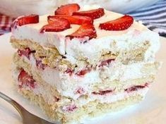 Looking for a quick and easy Spring/Summer dessert recipe? Try out delicious No Bake Strawberry Icebox Cake ! Cookie Desserts, No Bake Desserts, Easy Desserts, Strawberry Icebox Cake, Strawberry Recipes, Biscuits Graham, Mothers Day Desserts, Panlasang Pinoy Recipe, Icebox Cake Recipes