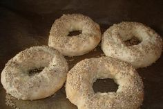 The perfect Greek sesame rings recipe with picture and simple step-by-step recipe. Shrimp Recipes, Salmon Recipes, Turkey Recipes, Vegetarian Recipes, Snack Recipes, Greek Recipes, Clean Eating Recipes, Bagel, Food Pictures