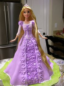 another rapunzel cake. Rapunzel Flynn, Bolo Rapunzel, Princess Rapunzel, Princess Cakes, Bolo Barbie, Barbie Cake, Cupcakes Princesas, Fete Emma, Tangled Birthday Party