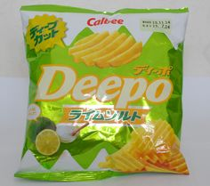 Salt&Lime Deepo chips from Calbee!   Photos provided by wunorei.blog.com