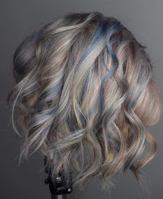 Josh Boynton ( shares three formulas for a final color design that is muted, metallic and marvelous. Perfect Blonde Hair, Blonde And Blue Hair, Lilac Hair, Pastel Hair, Gray Hair, Hair Inspo, Hair Inspiration, Balayage Blond, Hair Cleanse