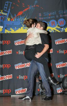 Nathan's surprise appearance at the NYCC Firefly panel and Jewel's reaction.