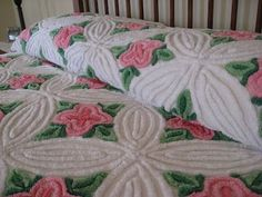 """Truly a """"bed of roses""""! Lush vintage chenille bedspread. Pink Master Bedroom, Linen Bedroom, Vintage Bedspread, Vintage Textiles, Chenille Bedspread, Chenille Fabric, Shabby Chic Pink, Vintage Love, Vintage Apron"""