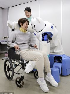 Meet Robear, the robot 'nurse' with the strength of The Incredible Hulk and face of a teddy bear, designed specifically to lift patients from beds and chairs using mechanical arms. Apple Founder, Intelligent Robot, Mechanical Arm, Steve Wozniak, Incredible Hulk, Science, Co Founder, Cool House Designs, Artificial Intelligence