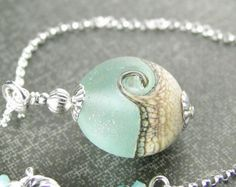 Ocean Wave Halskette lila Lampwork Anhänger von Kikiburrabeads