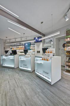 Ristrutturazione Farmacia Corsanego: il classico in chiave moderna Wall Design, Layout Design, House Design, Design Visual, Cosmetic Shop, Retail Merchandising, Retail Store Design, Interior Decorating, Interior Design