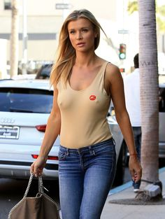 Joanna Krupa pictured braless as she walking out in Los Angeles http://celebs-life.com/joanna-krupa-pictured-braless-walking-los-angeles/  #joannakrupa