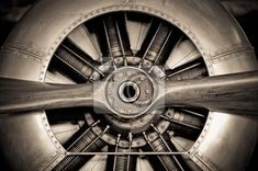 Wall Mural vintage propeller aircraft engine closeup