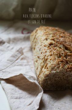 Pain aux flocons d'avoine et son de blé. La recette ici : http://journalduneame.fr/pain-aux-flocons-davoine-et-son-de-ble/