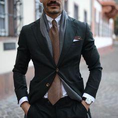 Gentlemen Wear This Gentleman Mode, Dapper Gentleman, Gentleman Style, Mens Fashion Blog, Suit Fashion, Fashion Outfits, Semi Casual Outfit, Gentlemen Wear, Look Man
