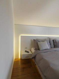 Bedroom Wall Decor Ideas Small Rooms Shelving is important for your home Schlafzimmer Wanddekoration Small Room Bedroom, Bedroom Colors, Small Rooms, Home Bedroom, Modern Bedroom, Bedroom Wall, Master Bedroom, Bedroom Decor, Bedroom Ideas