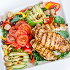 This Mediterranean-inspired salad is loaded with the most amazing ingredients: marinated and grilled Marinated Grilled Chicken, Oven Roasted Chicken, Homemade Dressing Recipe, Tatyana's Everyday Food, Mediterranean Chicken, Side Salad, Chicken Casserole, Italian Recipes, Pasta Salad