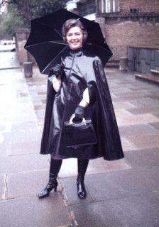 Rain Day with Helen Long Leather Coat, Leather Gloves, Raincoats For Women, Outerwear Women, Vintage Leather, Vintage Black, Rain Cape, Rubber Raincoats, Pvc Raincoat