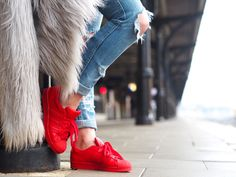 Adidas Super color Red Superstar sneakers OOTD Fashionista Chloe