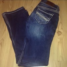 ✨BKE jeans✨ Jeans are in good condition! Fit pretty good. I'm 4'11 and they were too long for me. Buckle Jeans Boot Cut
