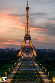 The Eiffel Tower, Paris, France Paris Images, Paris Pictures, Paris Photos, Torre Eiffel Paris, Paris Eiffel Tower, Eiffel Towers, Paris At Night, Beautiful Paris, Paris Love