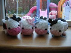 Studio Ami: Amigurumi Cow Pattern Head: Using pink yarn, Row 1: Ch2, in 2nd ch from hook 6sc (6st) Row 2: 2sc in each st (12st) Row 3: [1sc, 2sc in next st] x 6 times (18st) Row 4: [2sc, 2 sc in next...