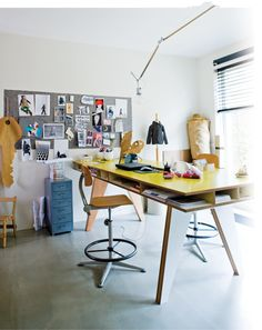 25 Creative Workspace Ideas - Inspiration for designing a creative home office, studio or craft room. Workspace Inspiration, Interior Inspiration, Room Inspiration, Desk Inspo, Sweet Home, Desk Layout, Home Office Decor, Home Decor, Office Ideas
