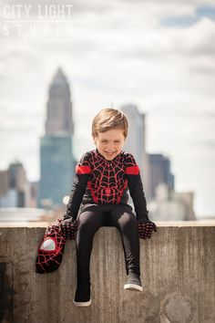 A Cute Kid Named Parker Cosplayed Miles Morales' Spider-Man Miles Spiderman Costume, Spiderman Theme, Spiderman Kids, Spiderman Cosplay, Spider Man Party, Superhero Pictures, Boy Pictures, Miles Morales Costume, Spider Men