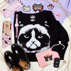 #grumpy #cat #sweater #drmartens #patentlamper #accessories #patch #haan #szputnyikshop #budapest Leather Ring, Copper Rings, Grumpy Cat, Dr. Martens, Budapest, Graphic Sweatshirt, Jewels, Sweater, Crystals
