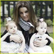 Lisa Marie Twins - One Years Old. Blue eyed Finley and Harper. Lisa Marie plans to make a permanent home in Britiain Lisa Marie Presley, Priscilla Presley, Elvis Presley Family, Elvis Presley Photos, Tennessee, Mississippi, Celebrity Twins, Celebrity Photos, Actor
