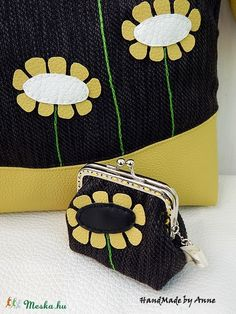 Egy margaréta - szövet keretes pénztárca, csatos tárca (annetextil) - Meska.hu Coin Purse, Purses, Wallet, Fashion, Handbags, Moda, Fashion Styles, Fashion Illustrations, Purse